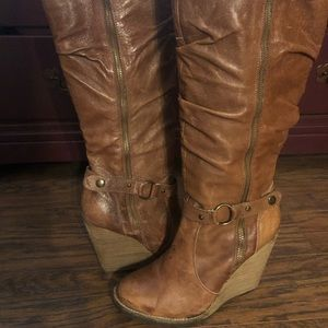 Bakers cognac distressed leather boots